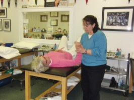 Randi Demonstrates Treatment for Frozen Shoulder